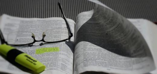 bible-839093_1920